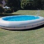 Надувной бассейн на участке