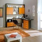 Оранжевый компьютерный стол