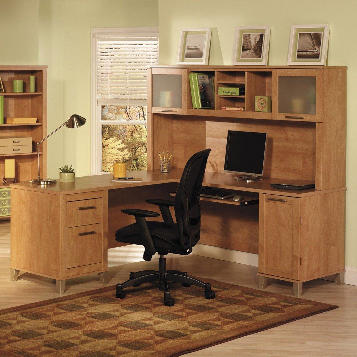 Мебель для зала из натурального дерева