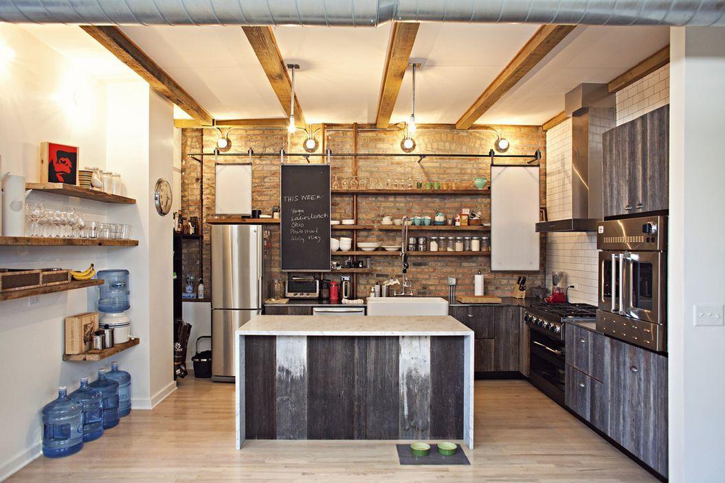 Инженерные системы на потолке кухни в стиле лофт