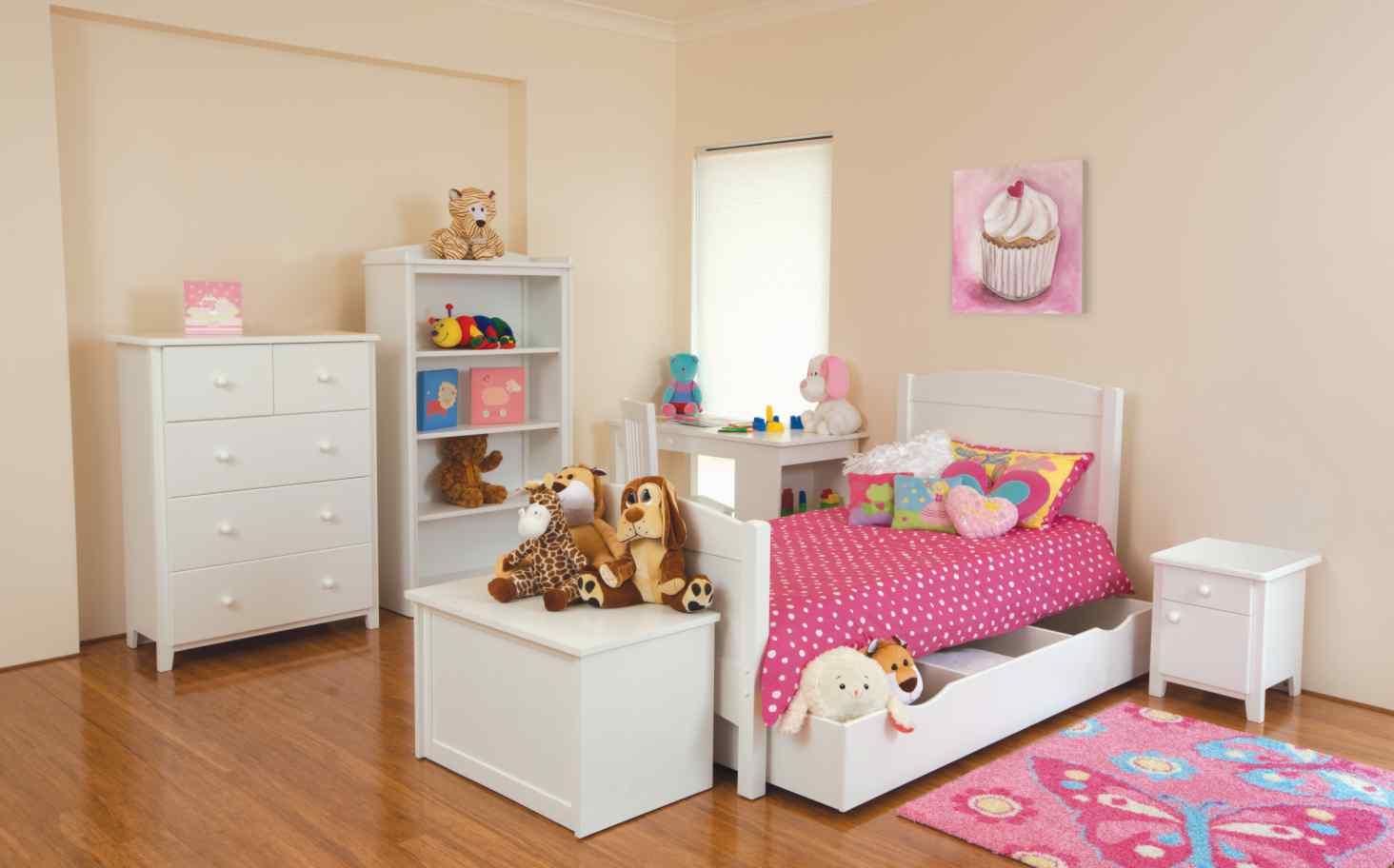 Комплект мебели для девичьей комнаты
