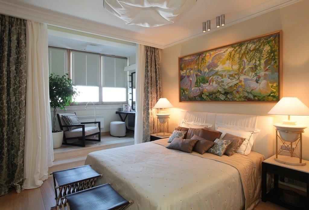Спальня с объединенным балконом