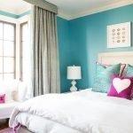 Спальня для девушки в голубых тонах