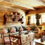 Полки над диваном