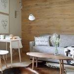 Серый диван в гостиной