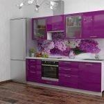Дизайн фиолетовой кухни с орхидеей
