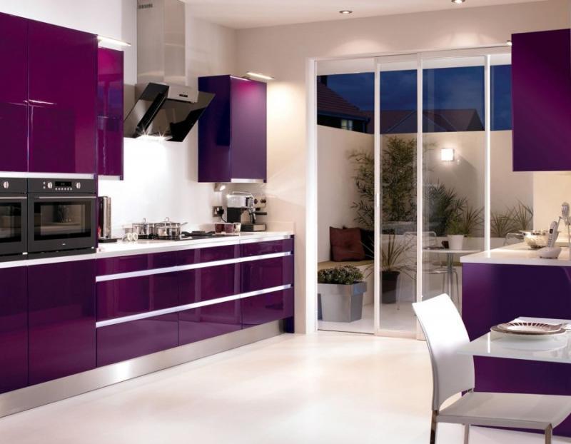 Кухня сливового цвета