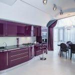 Дизайн стильной серо-фиолетовой кухни
