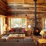 Печка на дровах в гостиной