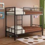 Металлическая двухэтажная кровать