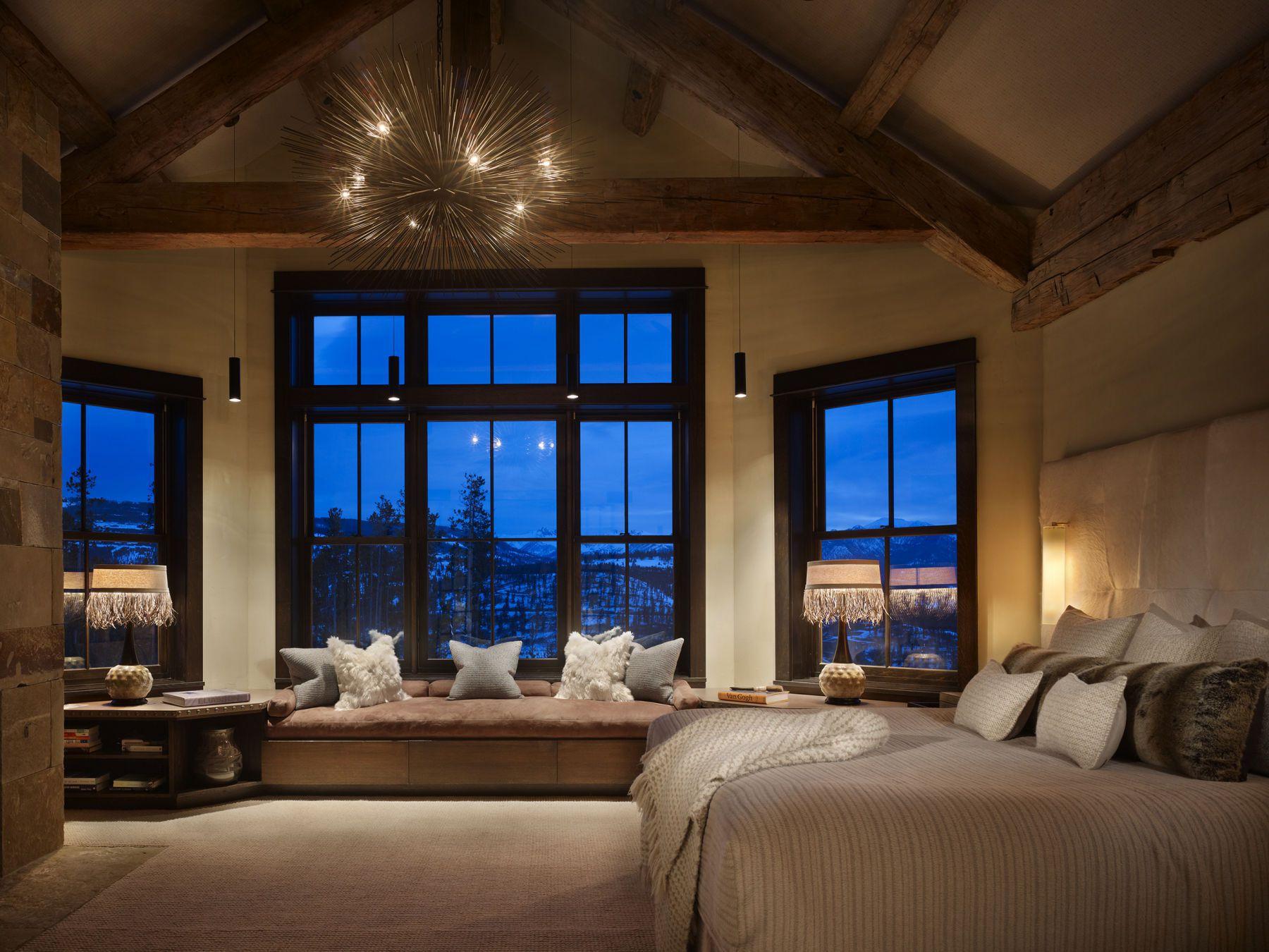 Приглушенное освещение в спальне