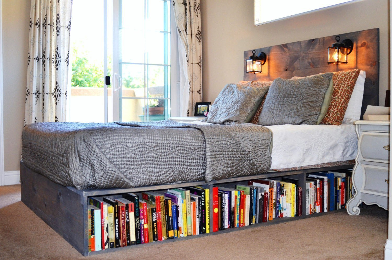 Книги под кроватью