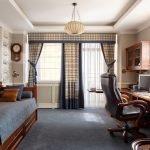 Клетчатый узор в дизайне гостиной