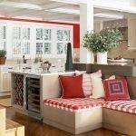 Мягкая мебель с клеточным принтом красного цвета