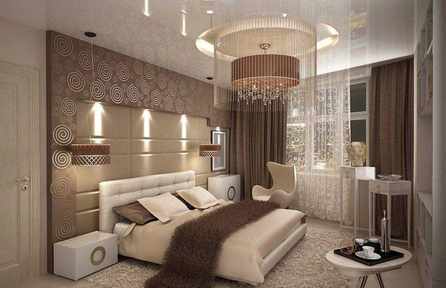 Красивая люстра в спальне