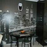 Кухня с черными фотообоями