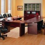 Бордовая офисная мебель