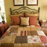 Пэчворк в интерьере спальни