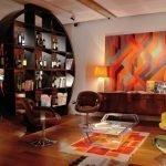 Оранжевый в интерьере гостиной