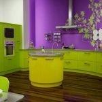 Дизайн стильной зелено-фиолетовой кухни