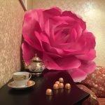 Бумажные цветы в оформлении дома