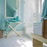 Столик с баночками
