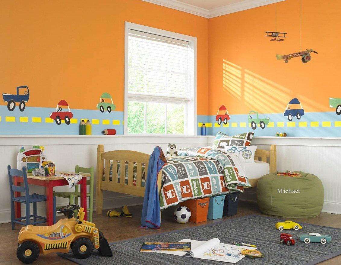 Самолетики на стене