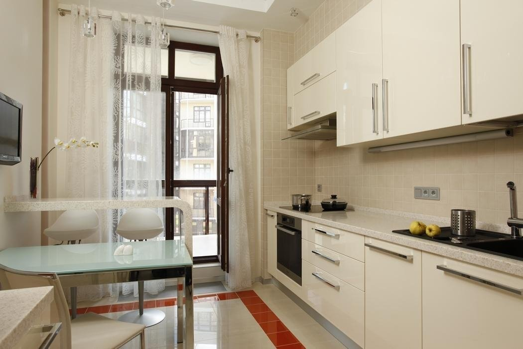 Кухня 3 на 4 с выходом на балкон