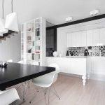 Сочетание белого и черного в дизайне кухни