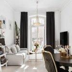 Черные шторы в интерьере гостиной