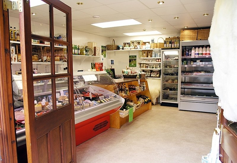 Дизайн маленького продуктового магазина