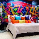 Граффити в дизайне спальни