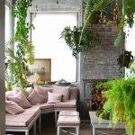 Нежно-розовый диван