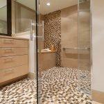 Мозаика в коричневых тонах в оформлении ванной