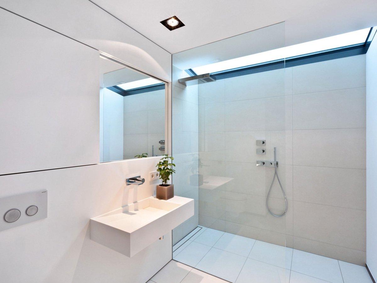 Раковина на весу в ванной