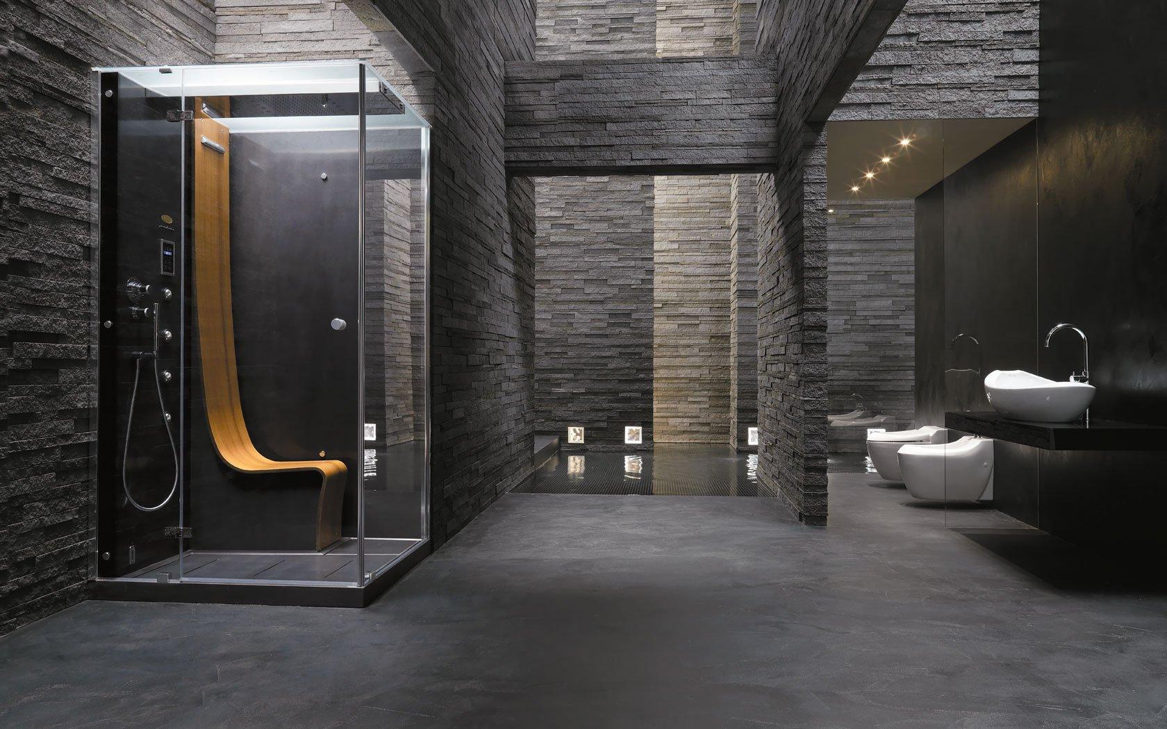 Освещение большой ванной комнаты в черном цвете