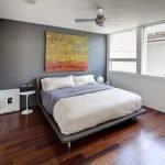 Средняя картина над кроватью