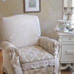 Кресло в интерьере в стиле шебби шик
