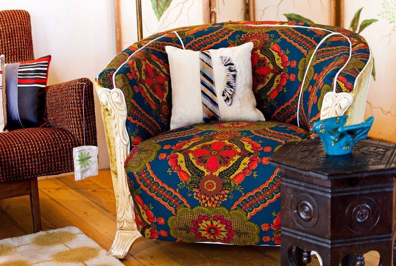 Кресло в интерьере в стиле этно