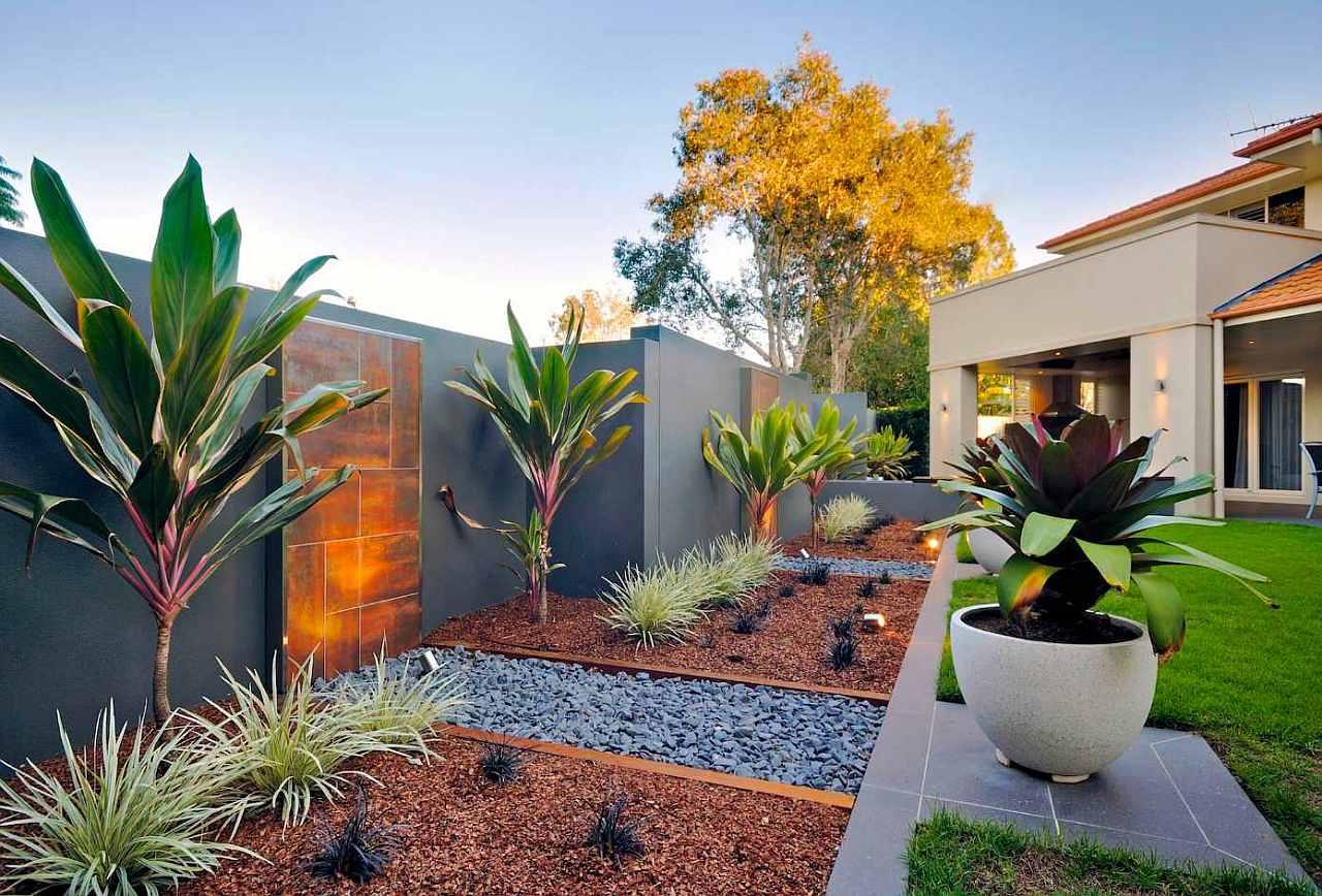 Оформление садового участка растениями