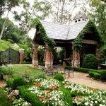 Белые цветы в дизайне сада