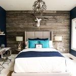 Синие стены и текстиль