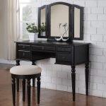 Черный столик тройное зеркало
