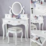 Белый столик с овальным зеркалом