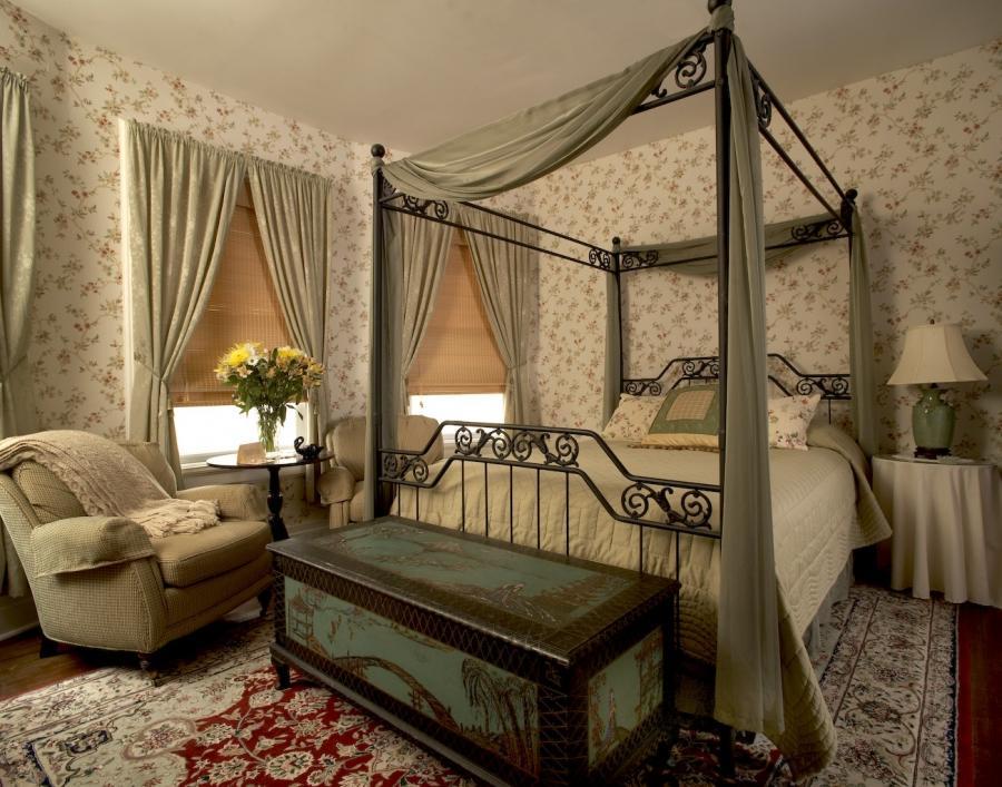 Спальня в викторианском стиле
