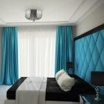 Спальня со строгим дизайном