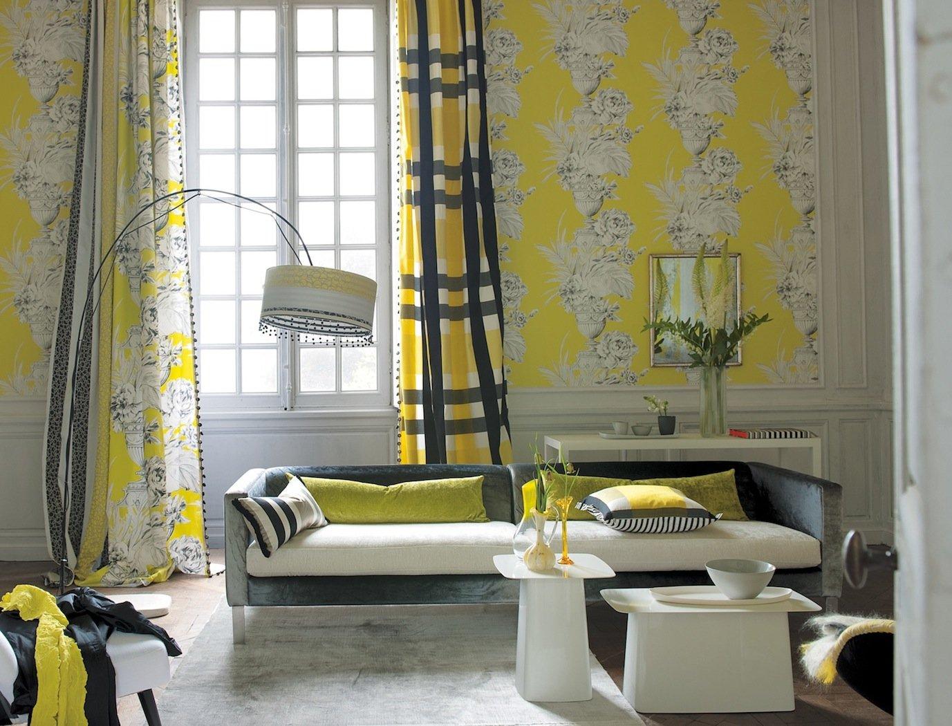 Ткань на стенах в гостиной