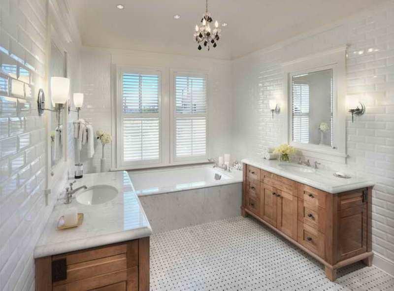 Плитка в белой ванной