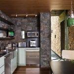 Кухня декорированная камнем