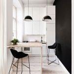 Черная с белым кухня